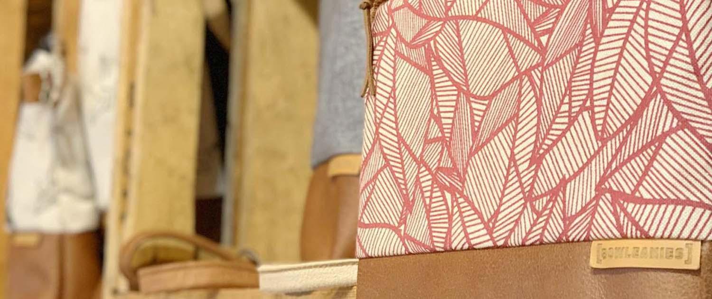 Detailansicht Banner Läden Bowleanies vom Fünfeck in Esslingen