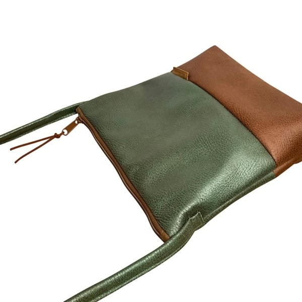 Seitenansicht Umhaengetasche Leder Faserstoff Olivgrün Braun Fair und Nachhaltig