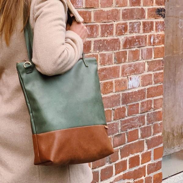 In Aktion Shopper Umhängetasche Schultertasche Leder Faserstoff Khaki Braun mit Reißverschluss