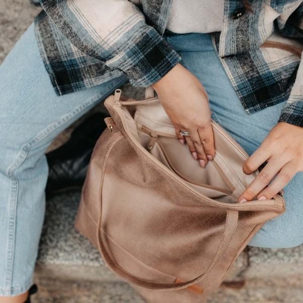Shopper und Umhängetasche in Hellbraun Innenansicht