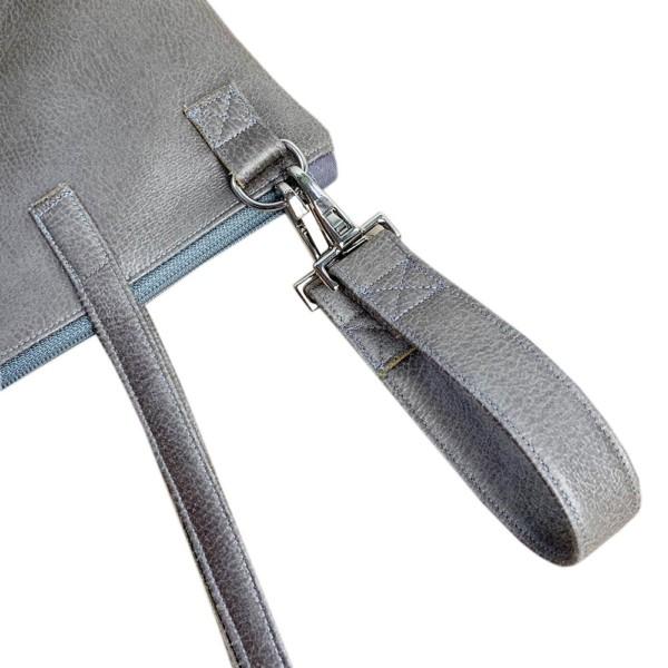 Leder Faserstoff Wickeltasche Grau Detailansicht Kinderwagenaufhängung