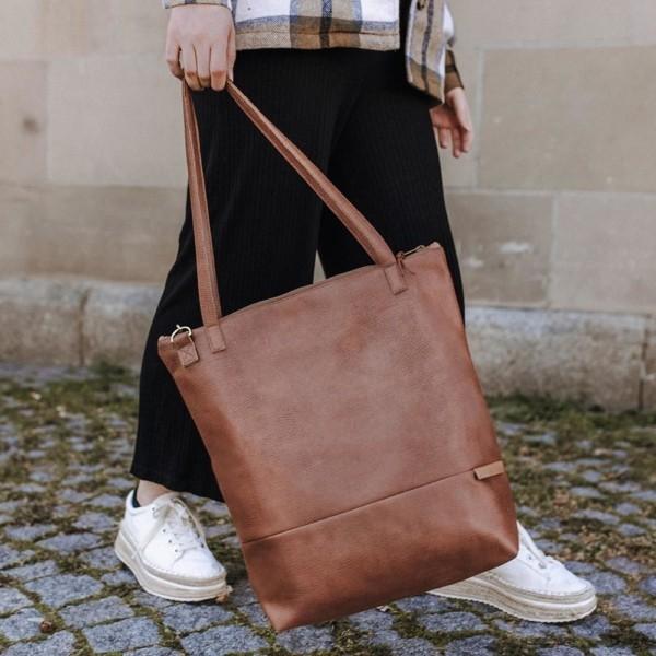 Leder Faserstoff Shopper Braun |Cognac in Aktion in Stuttgart